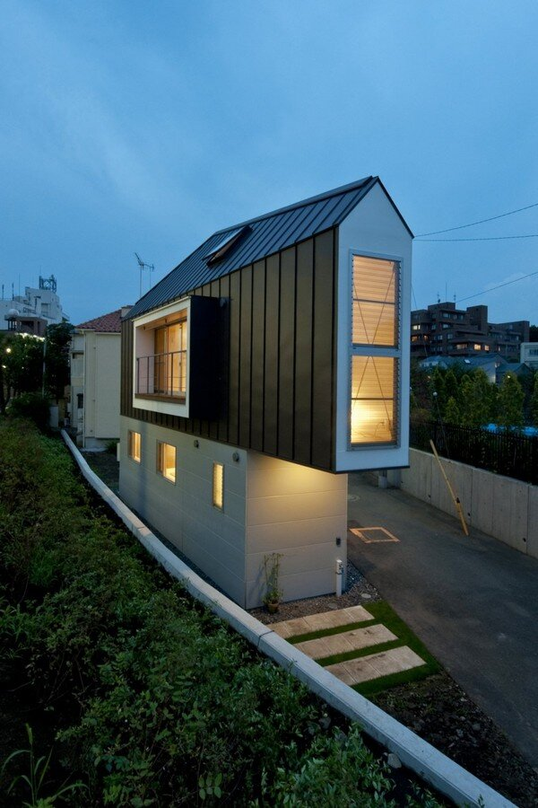 Cool small house from japan for Cool small houses