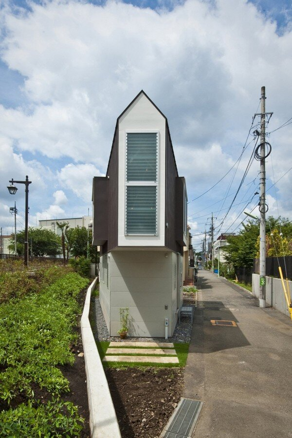 Super Cool Small House From Japan Largest Home Design Picture Inspirations Pitcheantrous