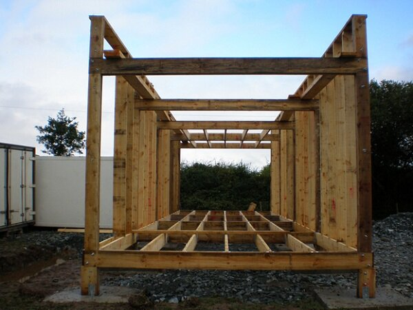 roof framing completed tiny house framing - Tiny House Framing 2