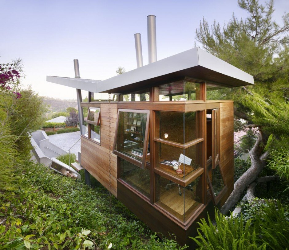 Artist Studio Overlooks Guest Cabin With Rooftop Garden: A Small Energy Efficient Guest House