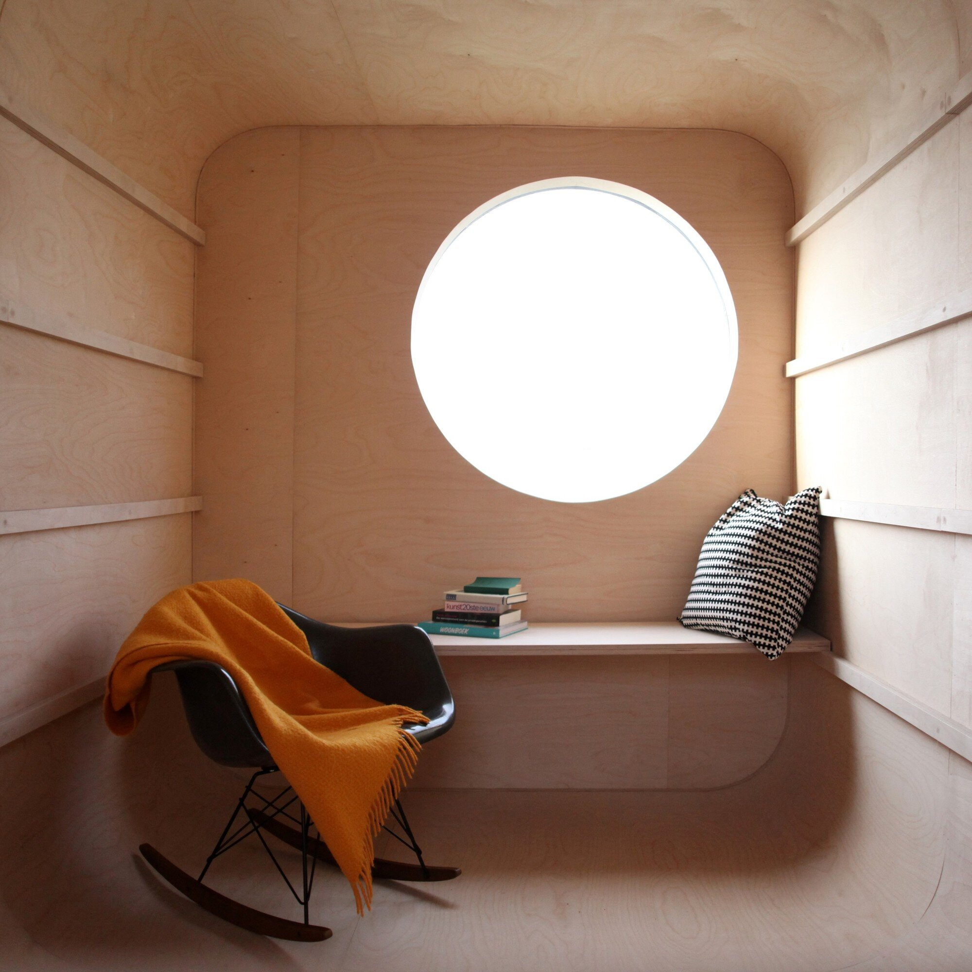 Construction Trailer Conversion - Karel Verstraet - Tiny Space - Interior Desk - Humble Homes