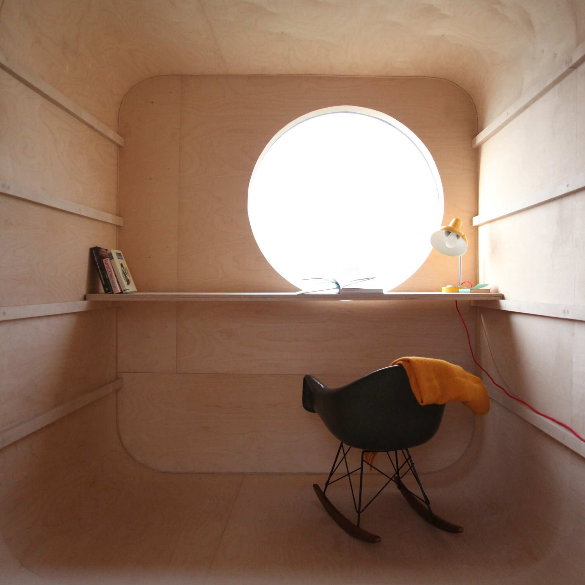 Construction Trailer Conversion - Karel Verstraet - Tiny Space - Interior High Desk - Humble Homes