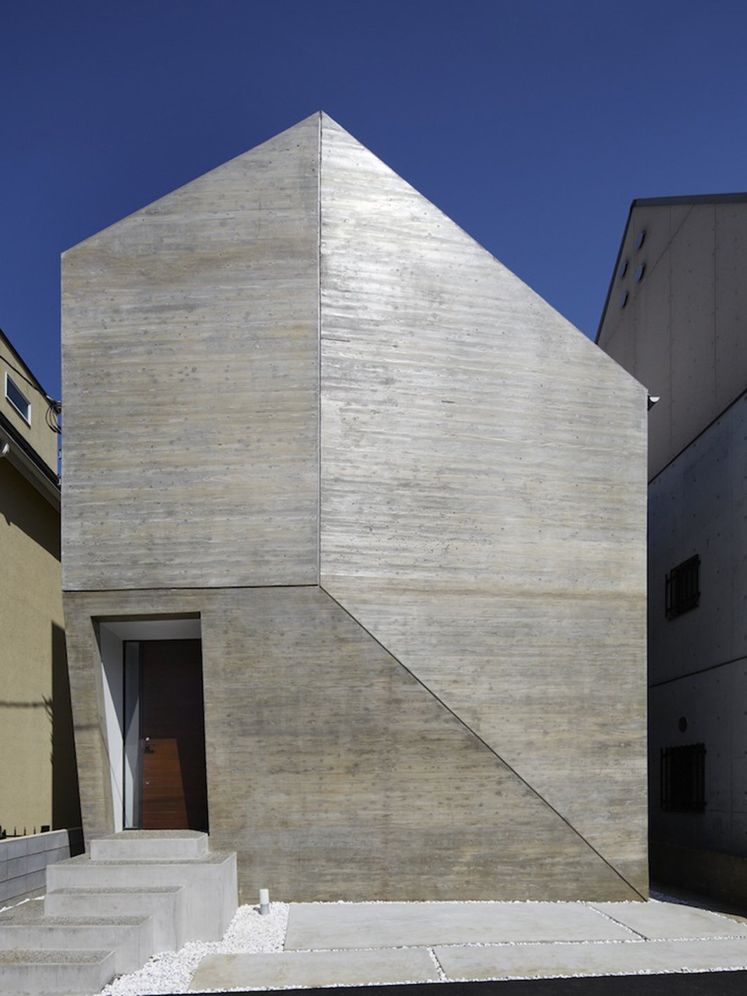 Shirokane House by MDS - Tokyo - Japan - Small House - Exterior - Humble Homes