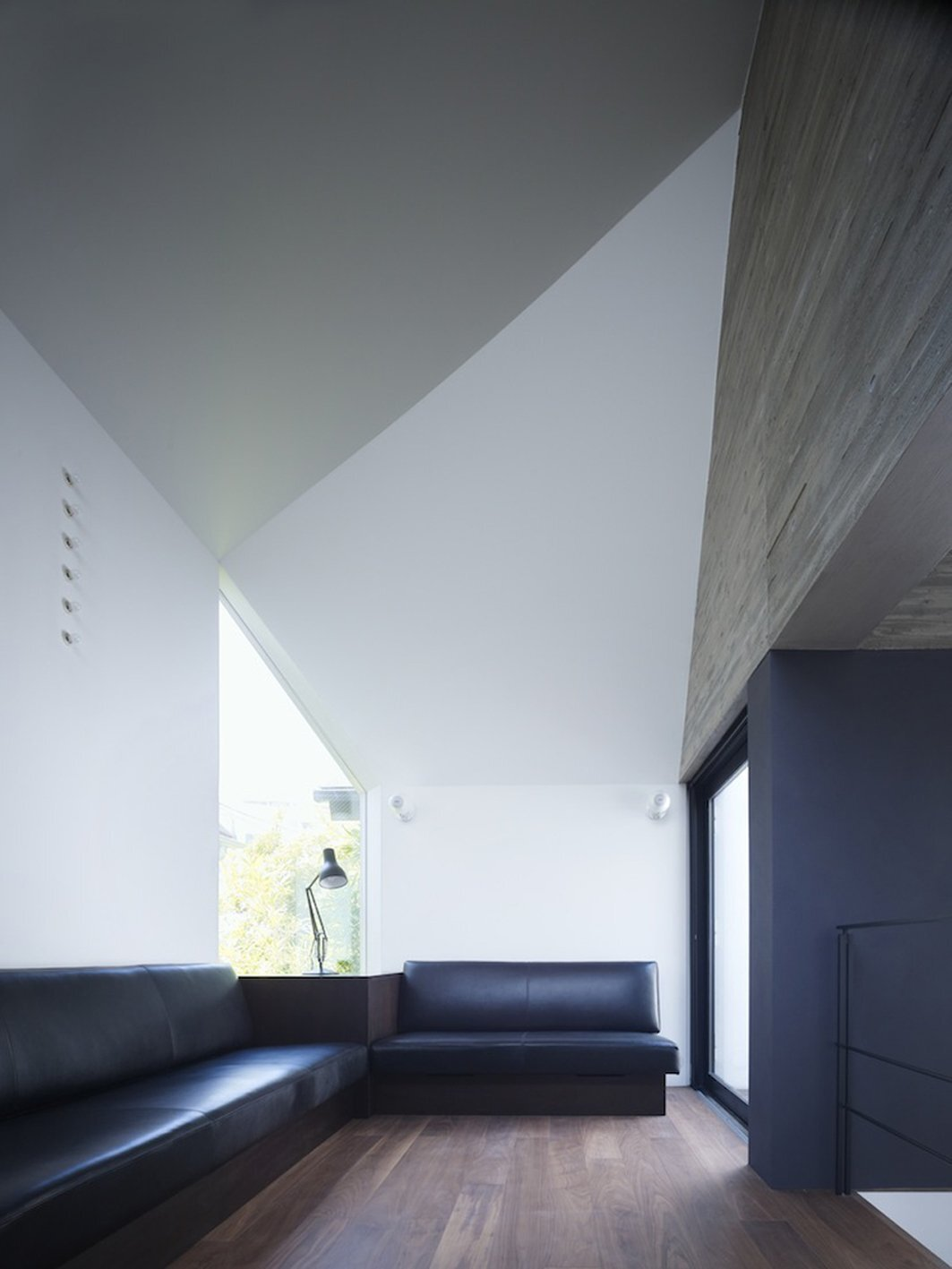 Shirokane House by MDS - Tokyo - Japan - Small House - Living Room - Humble Homes