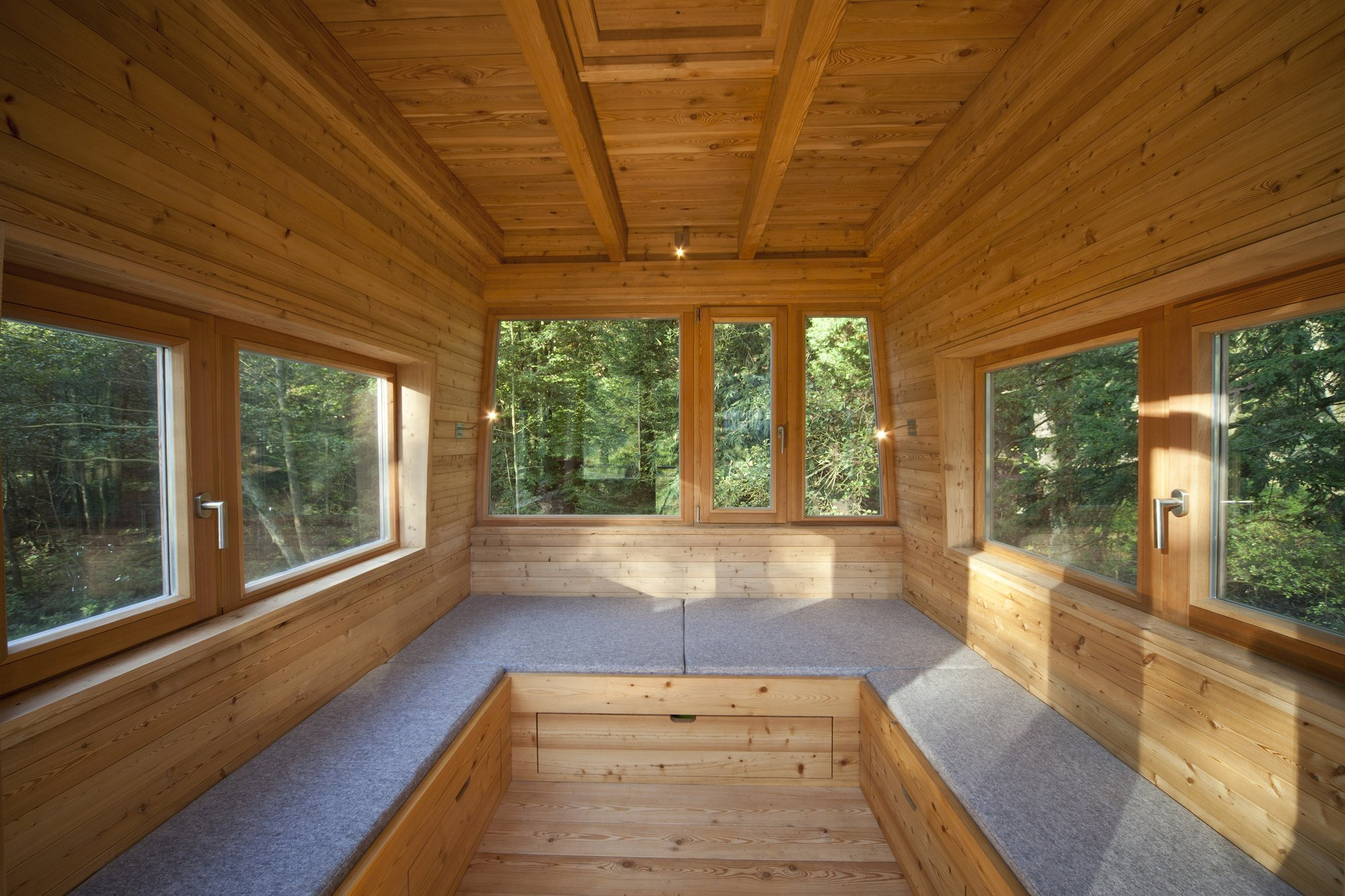 Treehouse Solling by Baumraum - Uslar Germany - Treehouse - Seating - Humble Homes