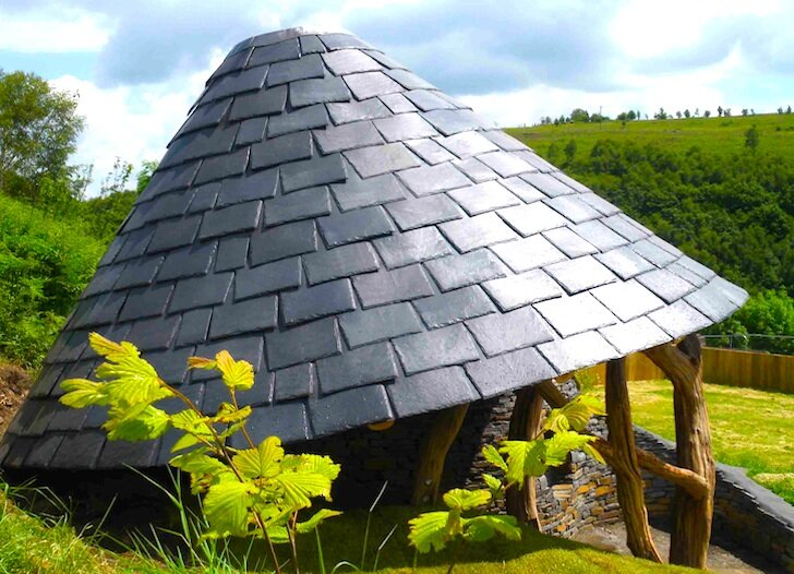 Caradocs Hideout - Groesfaen - Wales - Roof- Humble Homes