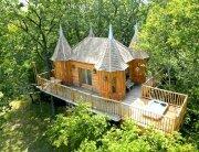 Chateaux Dans Les Arbres - Remi Becherel - Treehouse - France - Exterior - Humble Homes