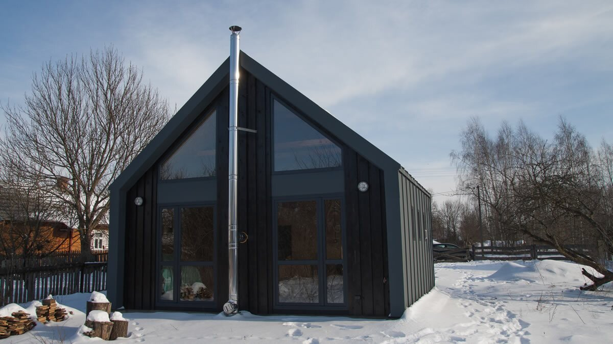 Dom xs a modern small house from poland for 43 000 for Modern mini homes