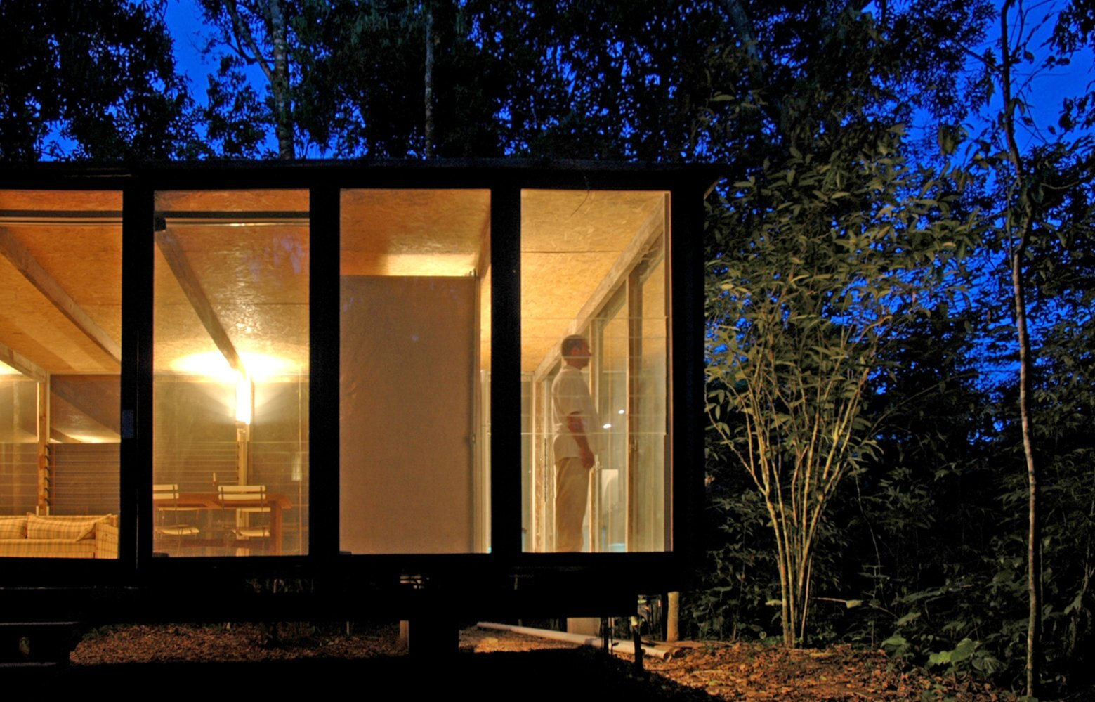 Casa na Mata - NITSCHE ARQUITETOS - Brazil - Small House - Exterior Night - Humble Homes