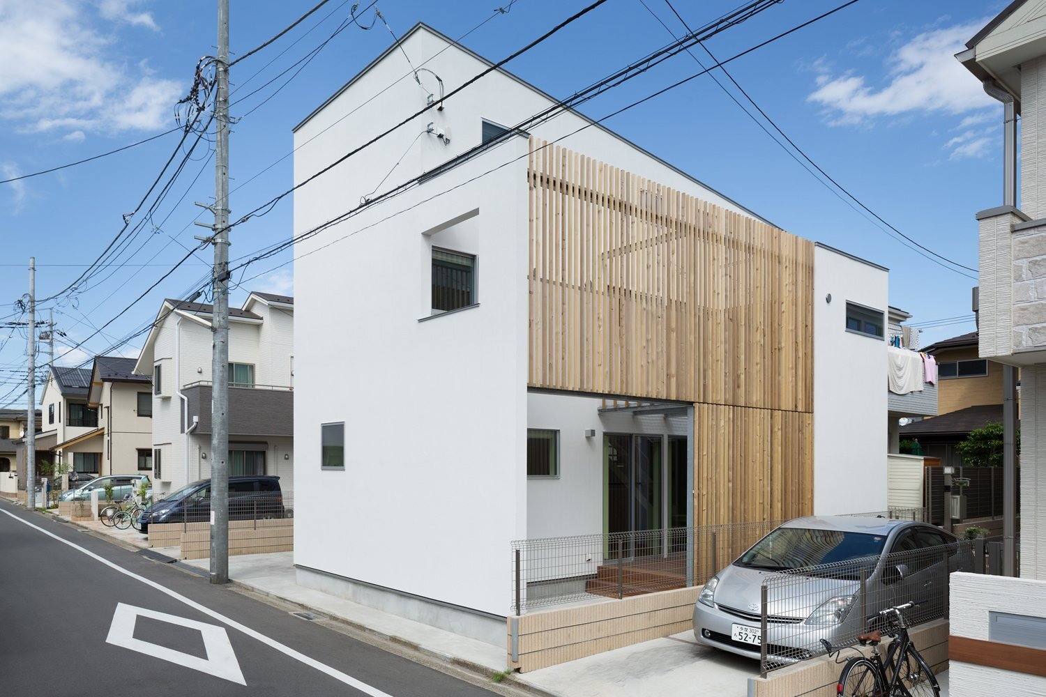 House k by yuji kimura design in tokyo japan for Small homes exterior design