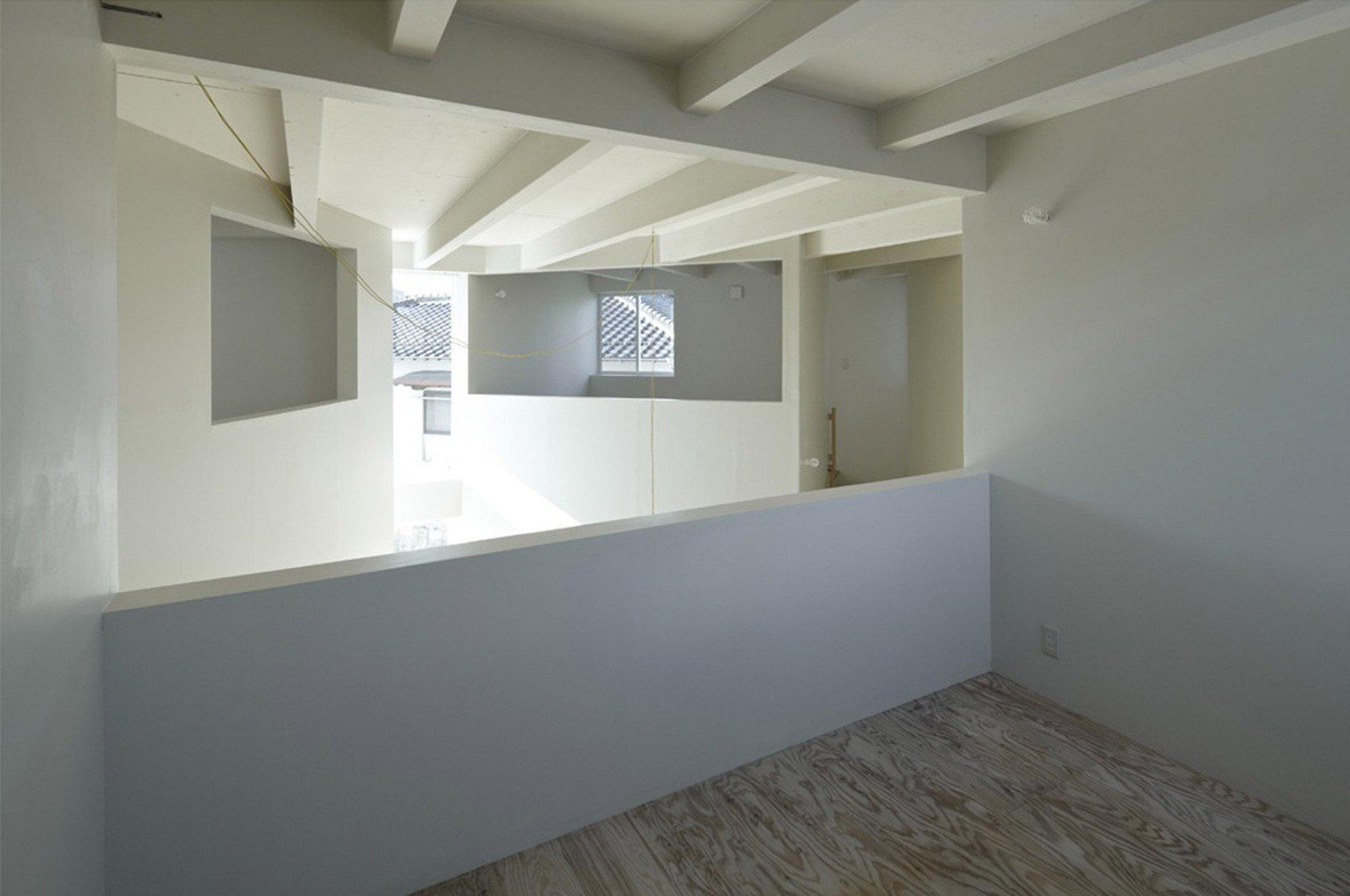 House In Iizuka - Japanese House - Rhythmdesign - Bedroom - Humble Homes