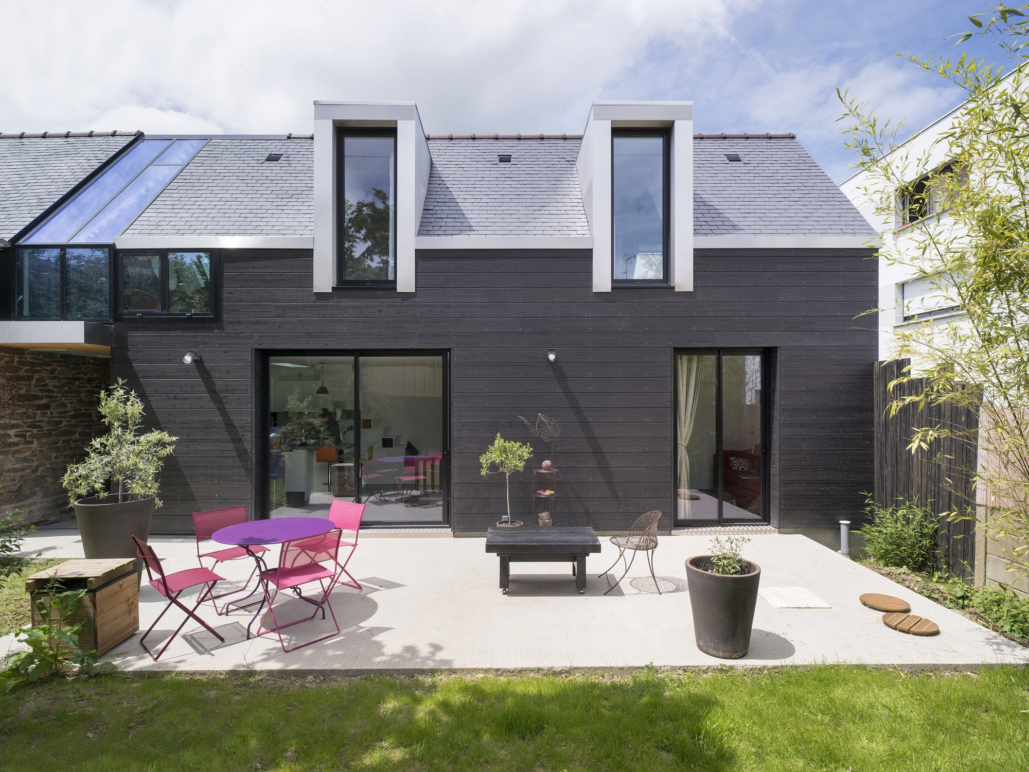 The House Between - Clément Bacle Architect - France - Rennes - Exterior - Humble Homes