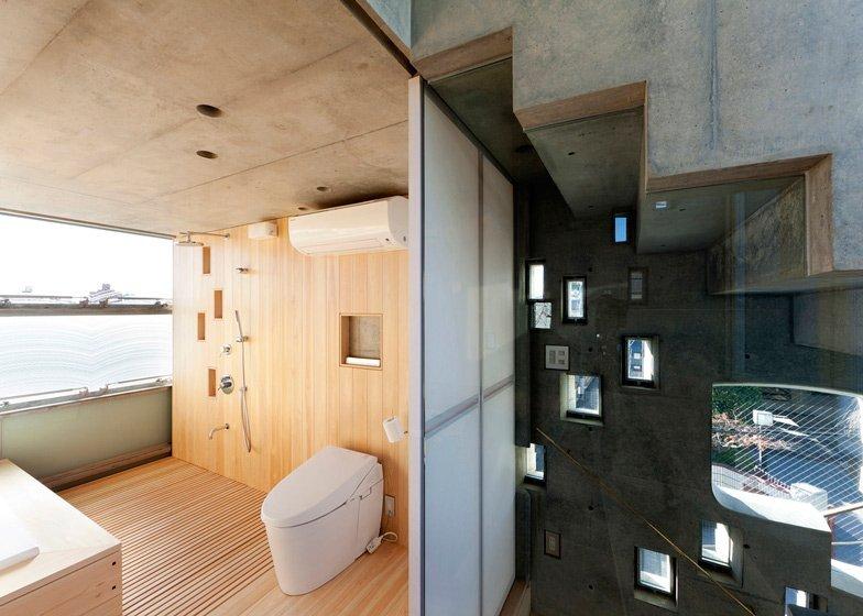 The Wall of Nishihara - Tiny House - Masanori Kuwabara -Sabaoarch - Shibuya Tokyo - Bathroom - Humble Homes