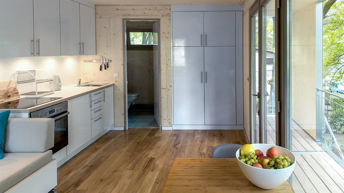 Urban Treehouse Berlin - Baumraum - Germany - Kitchen & Bathroom - Humble Homes