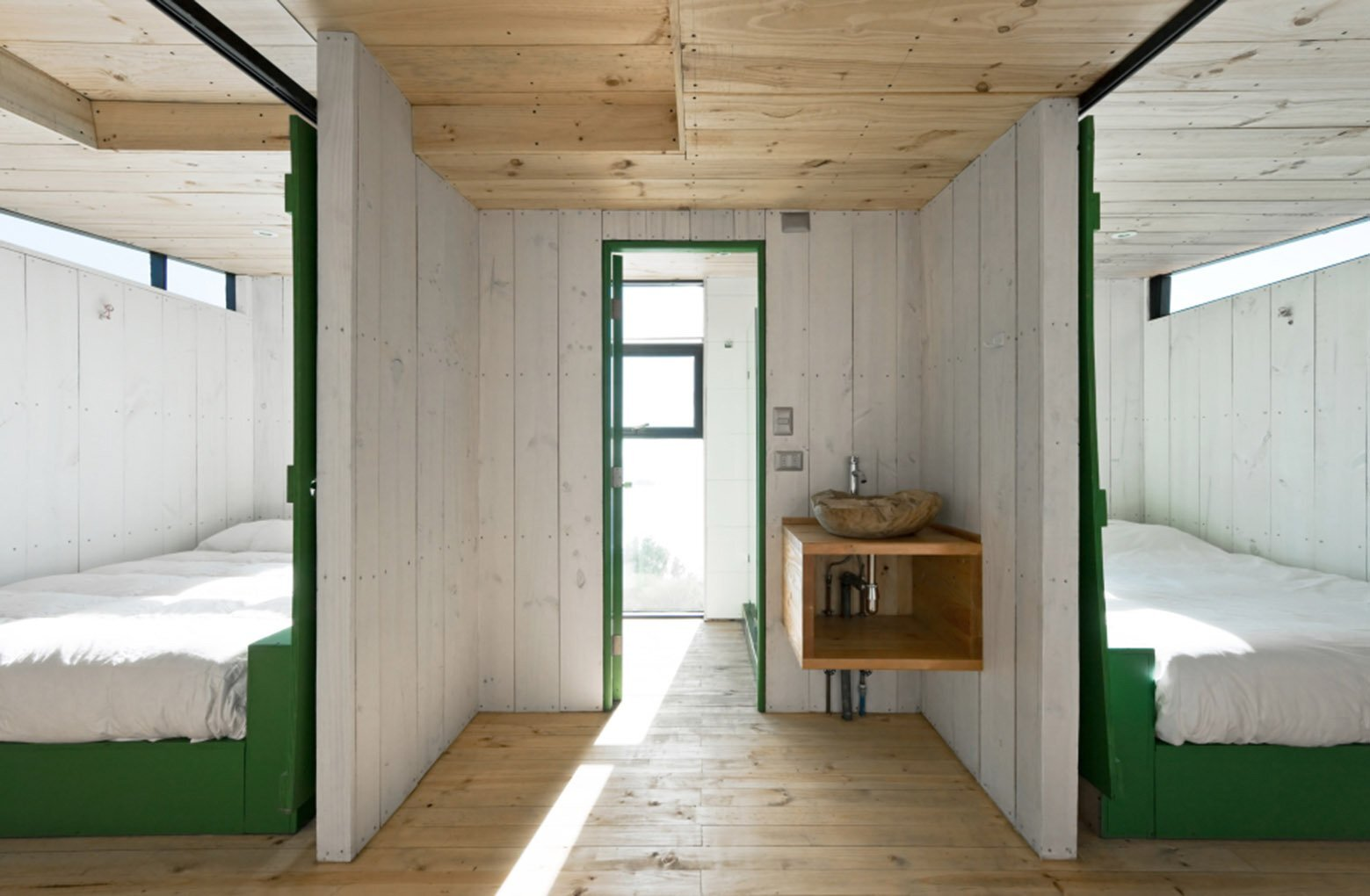 2 Hermanos Cabin - Small Cabin - WMR Arquitectos - Chile - Bedrooms - Humble Homes