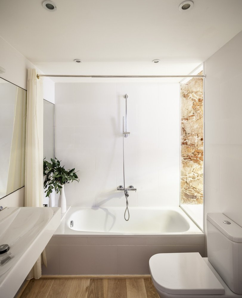 Les Corts - Apartment Renovation - Sergi Pons - Barcelona - Spain - Bathroom - Humble Homes
