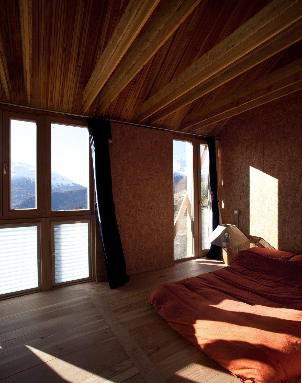 Solar House - Solar Powered Home - Studio Albori - Italy - Bedroom - Humble Homes