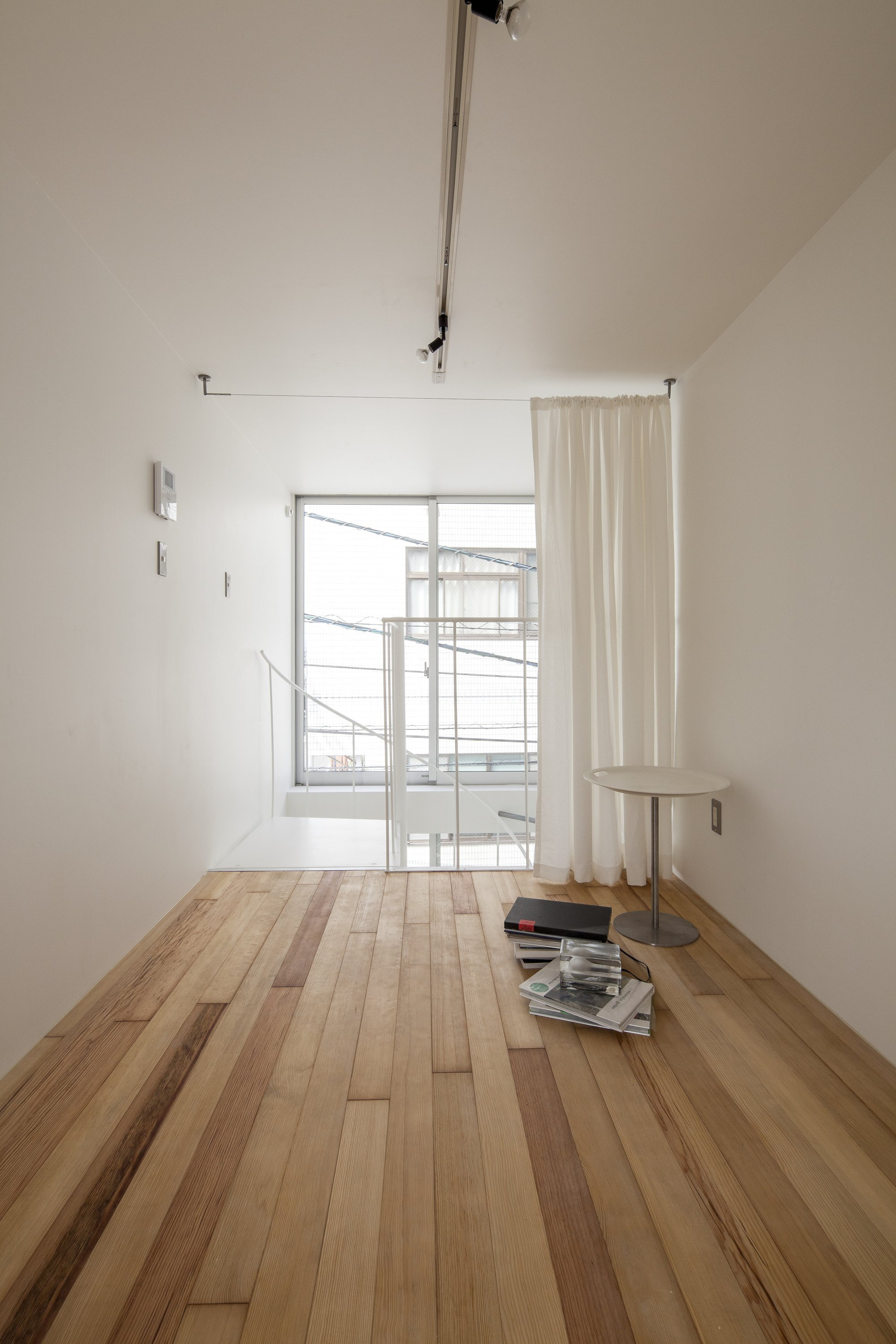 Spiral - Small House - Be-Fun Desgin - Japan - Living Room - Humble Homes