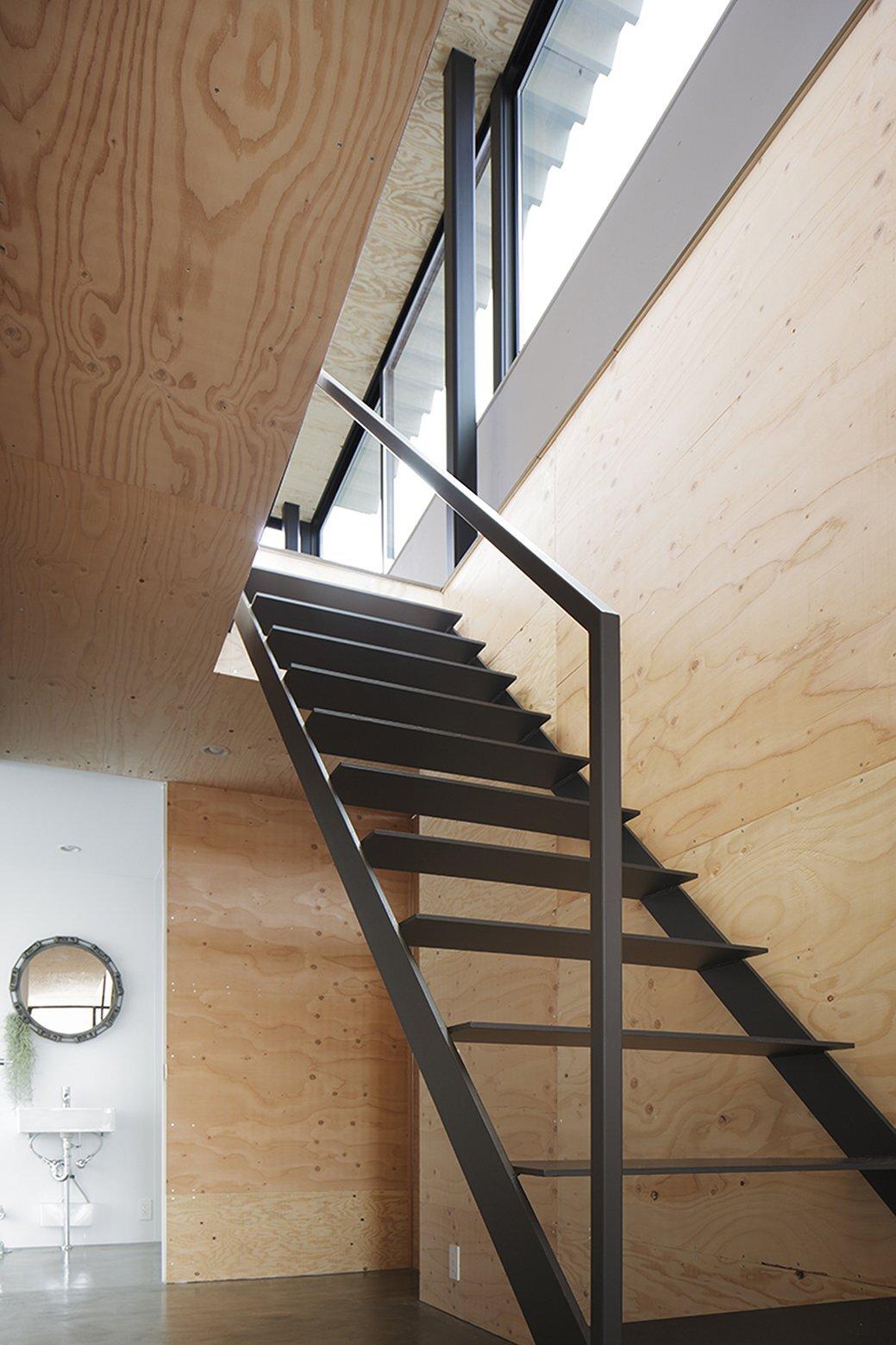 House in Miyake - Japanese House - Hidetaka Nakahara Architects - Yoshio Ohno Architects - Hiroshima Japan - Staircase - Humble Homes