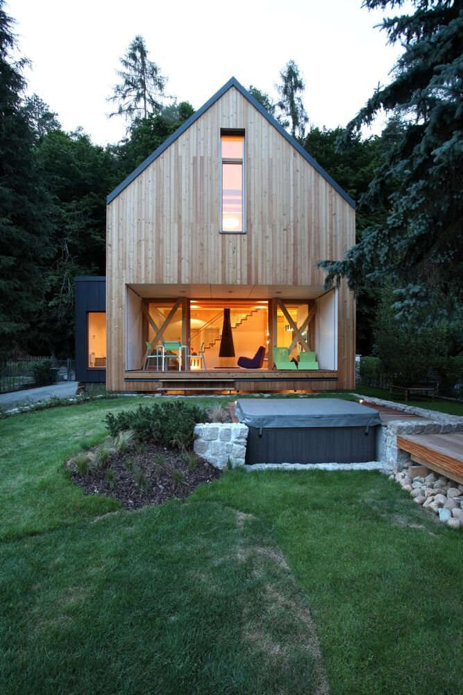 Modern Small House in Czech by Domesi