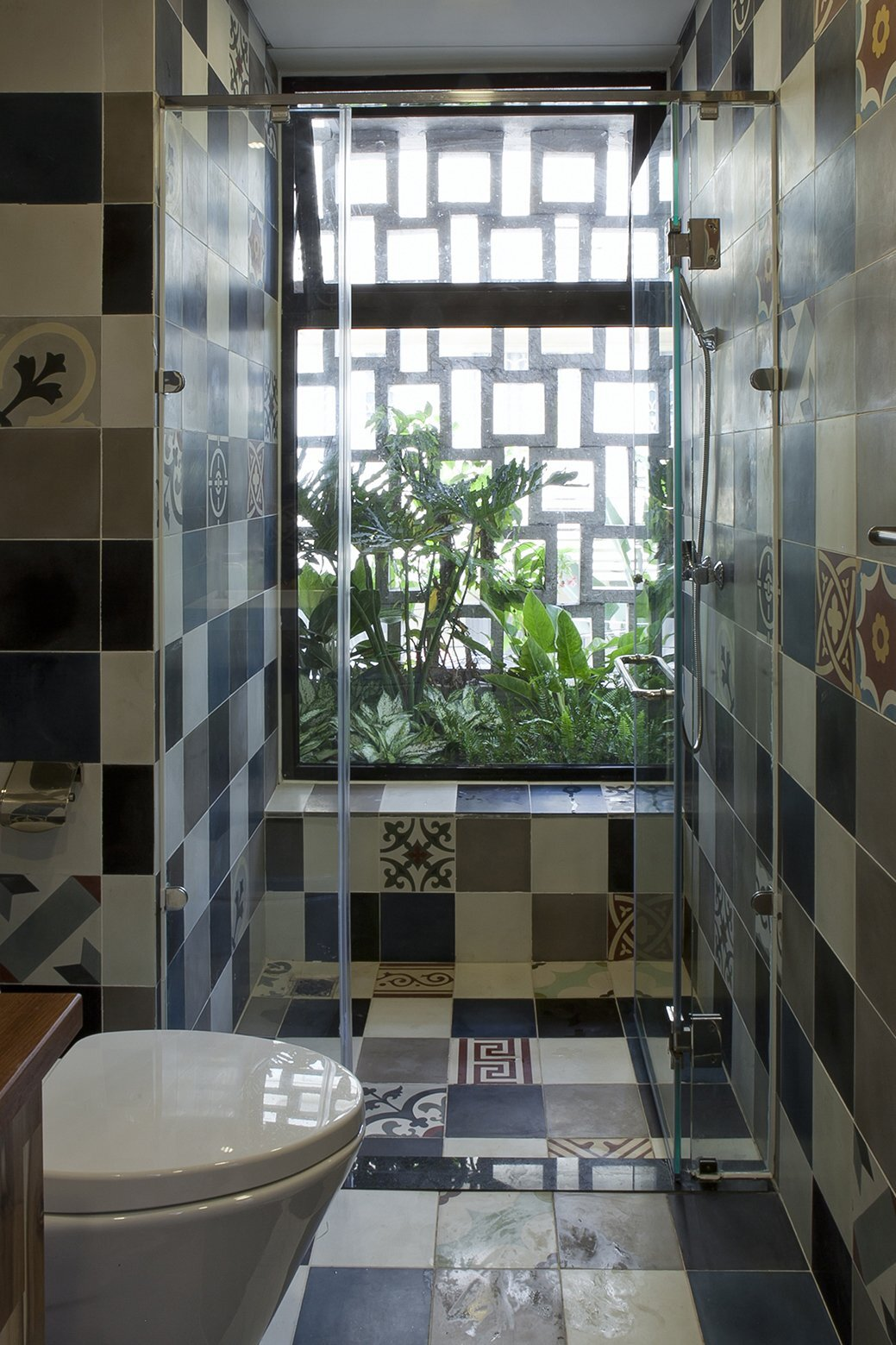 B House - Small House - i.House Architecture and Construction - Vietnam - Bathroom - Humble Homes