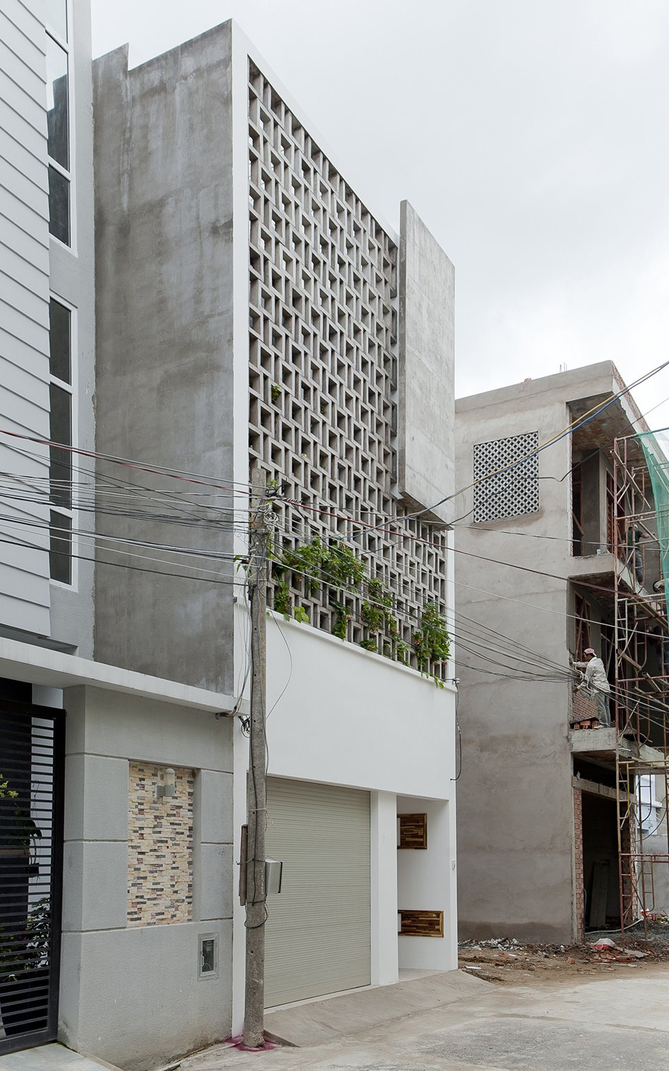 B House - Small House - i.House Architecture and Construction - Vietnam - Exterior - Humble Homes