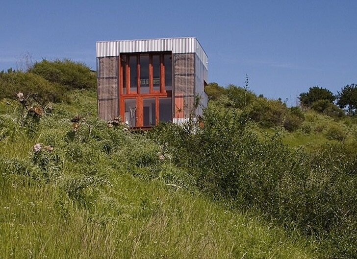 Guest House -  AATA Architects - Navidad Chile - Exterior - Humble Homes