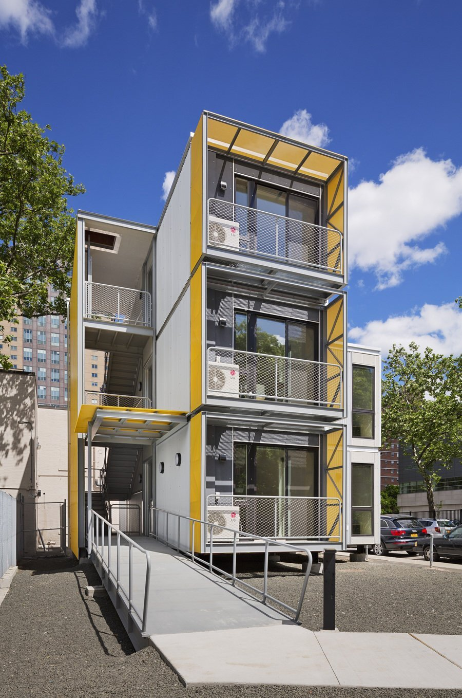 Modular disaster housing by garrison architects for Architectural modular homes