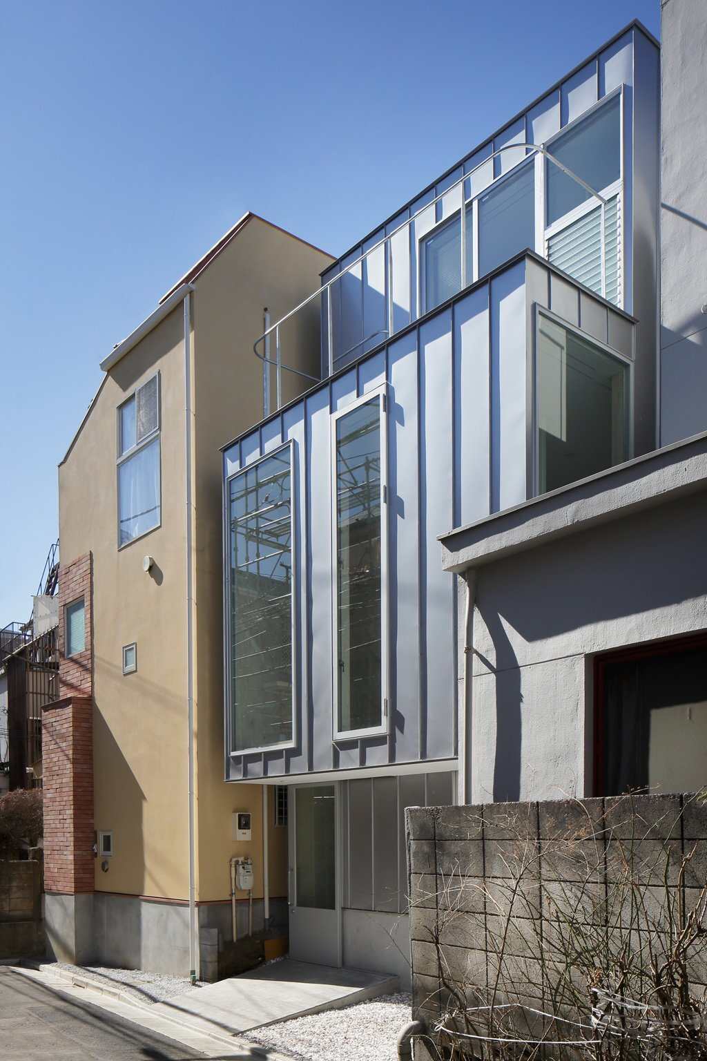House SH - Japanese House - Coelacanth and Associates - Tokyo - Exterior - Humble Homes