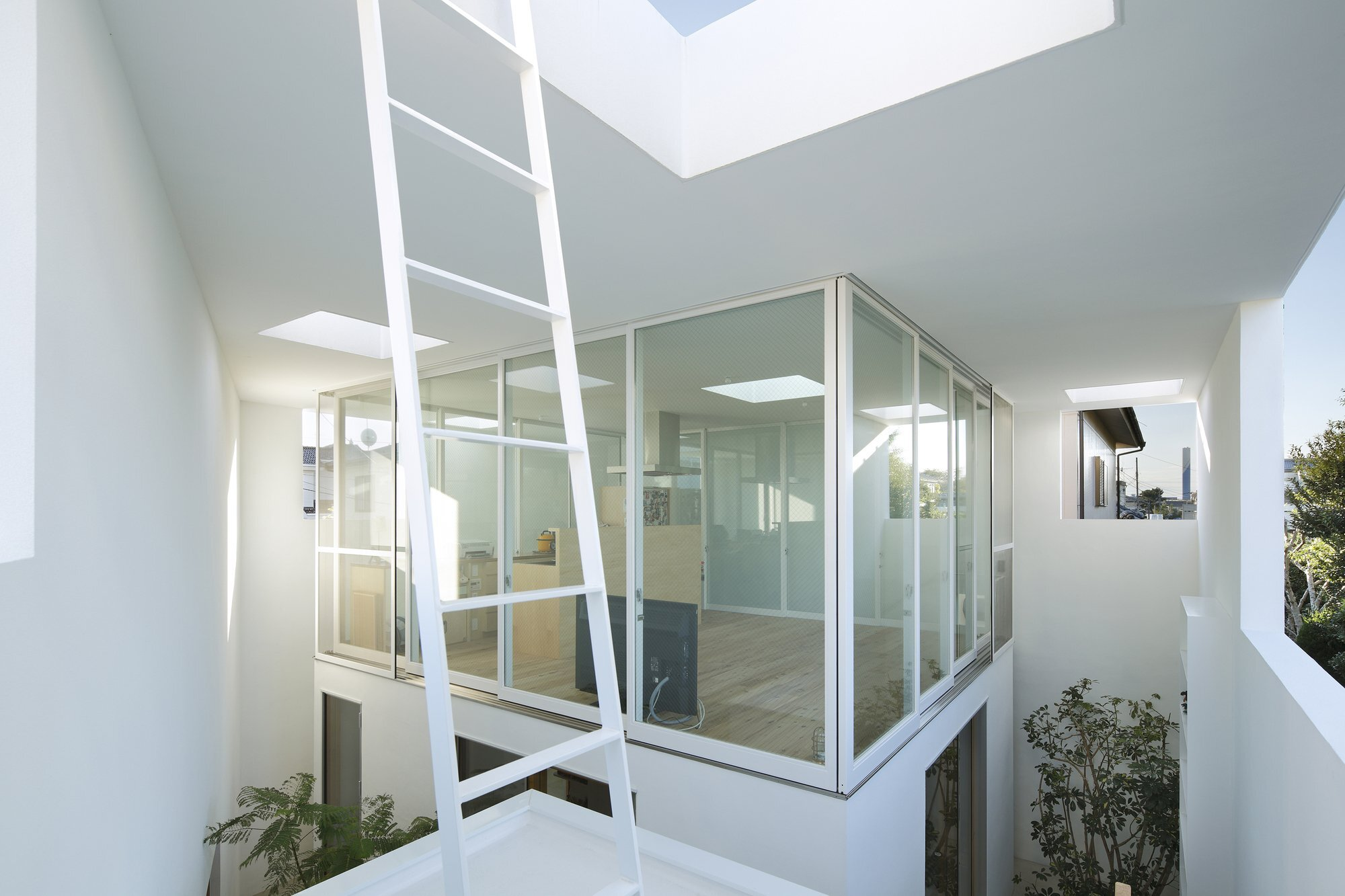 Inside Out - Takeshi Hosaka - Japanese House - Tokyo - Living Area Enclosed - Humble Homes