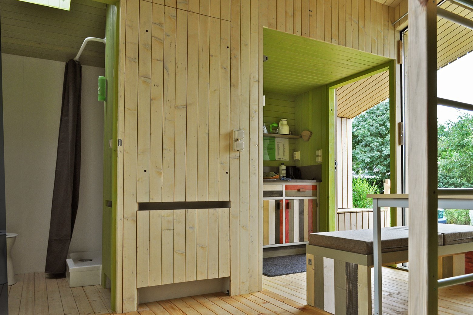 Treck-In Hickers Cabins - Small Cabin - MoodWorks Architecture - Kristel Hermans Architectuur - The Netherlands - Kitchen and Bathroom - Humble Homes