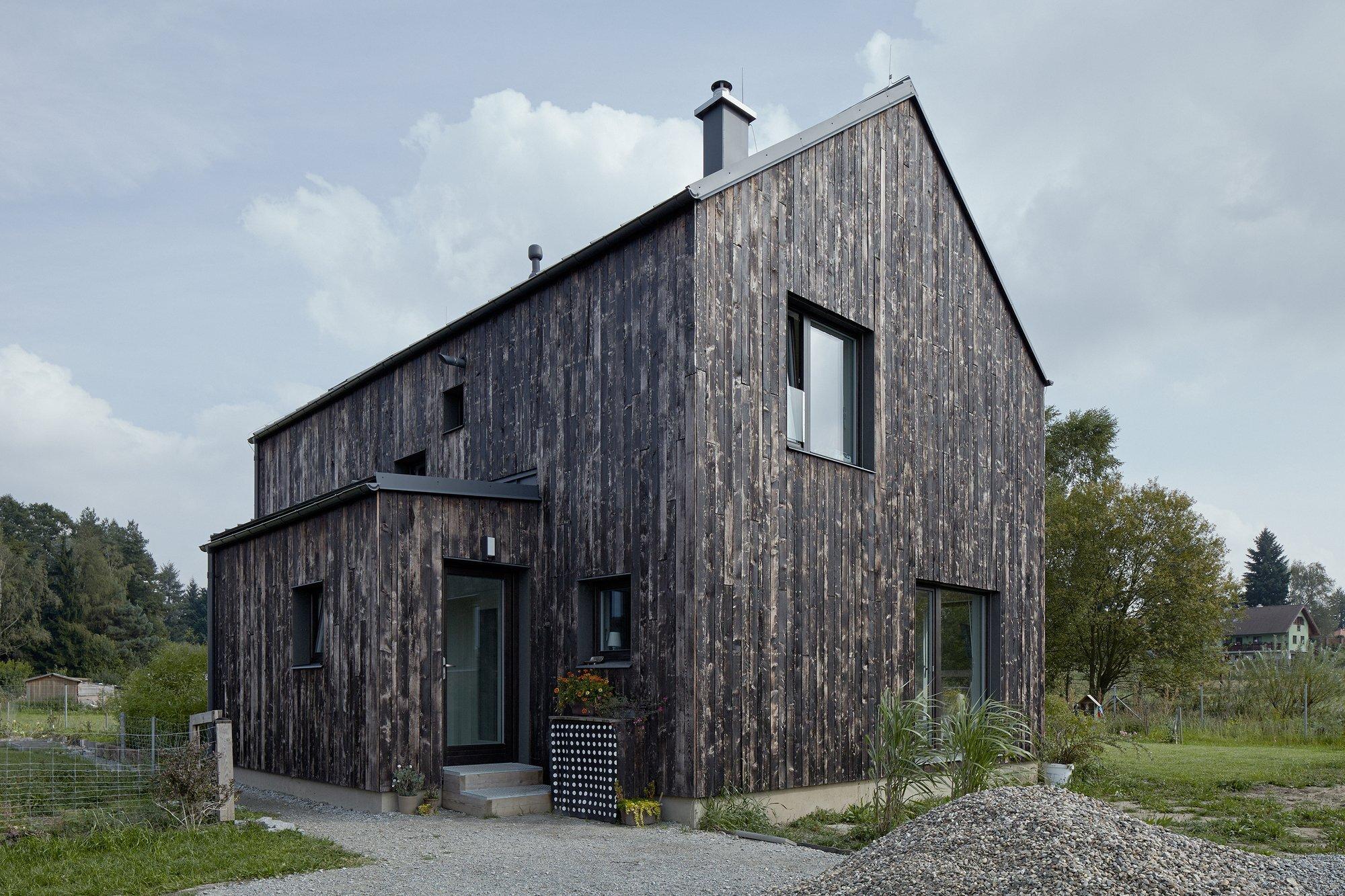 The Dog House - Small House - Mjölk architekti - Czech Republic - Exterior - Humble Homes