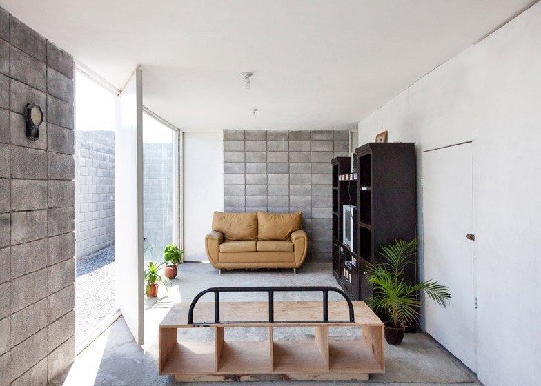 Casa Caja  - Low Cost Affordable Housing - Comunidad Vivex - S-AR - Living Room - Humble Homes