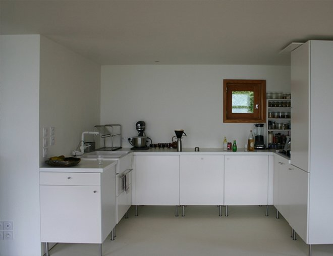 Small House - House in The Meadow - ARBA - France - Kitchen - Humbe Homes