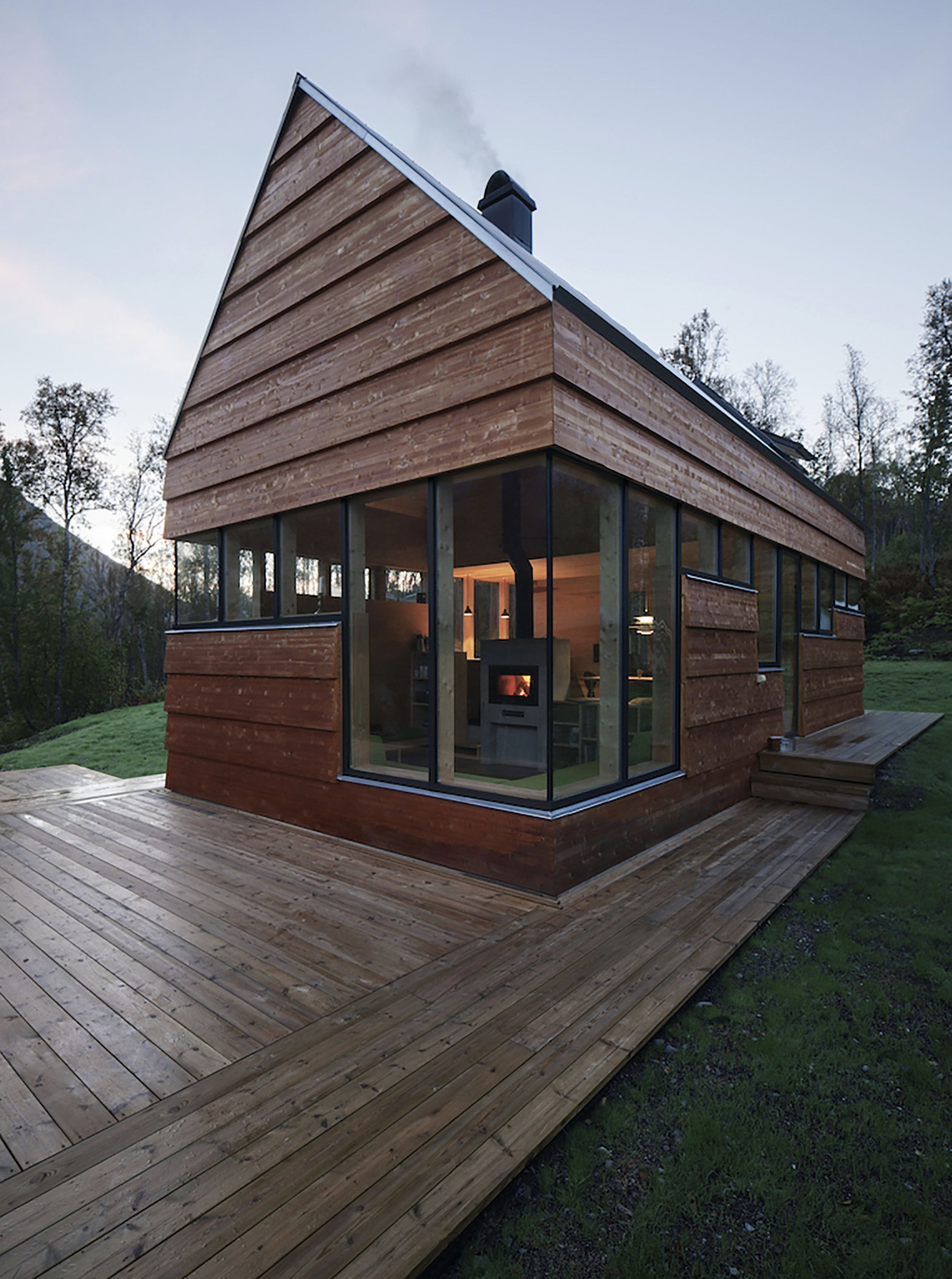 A small cabin in the woods by septembre architecture for Norway wooden houses