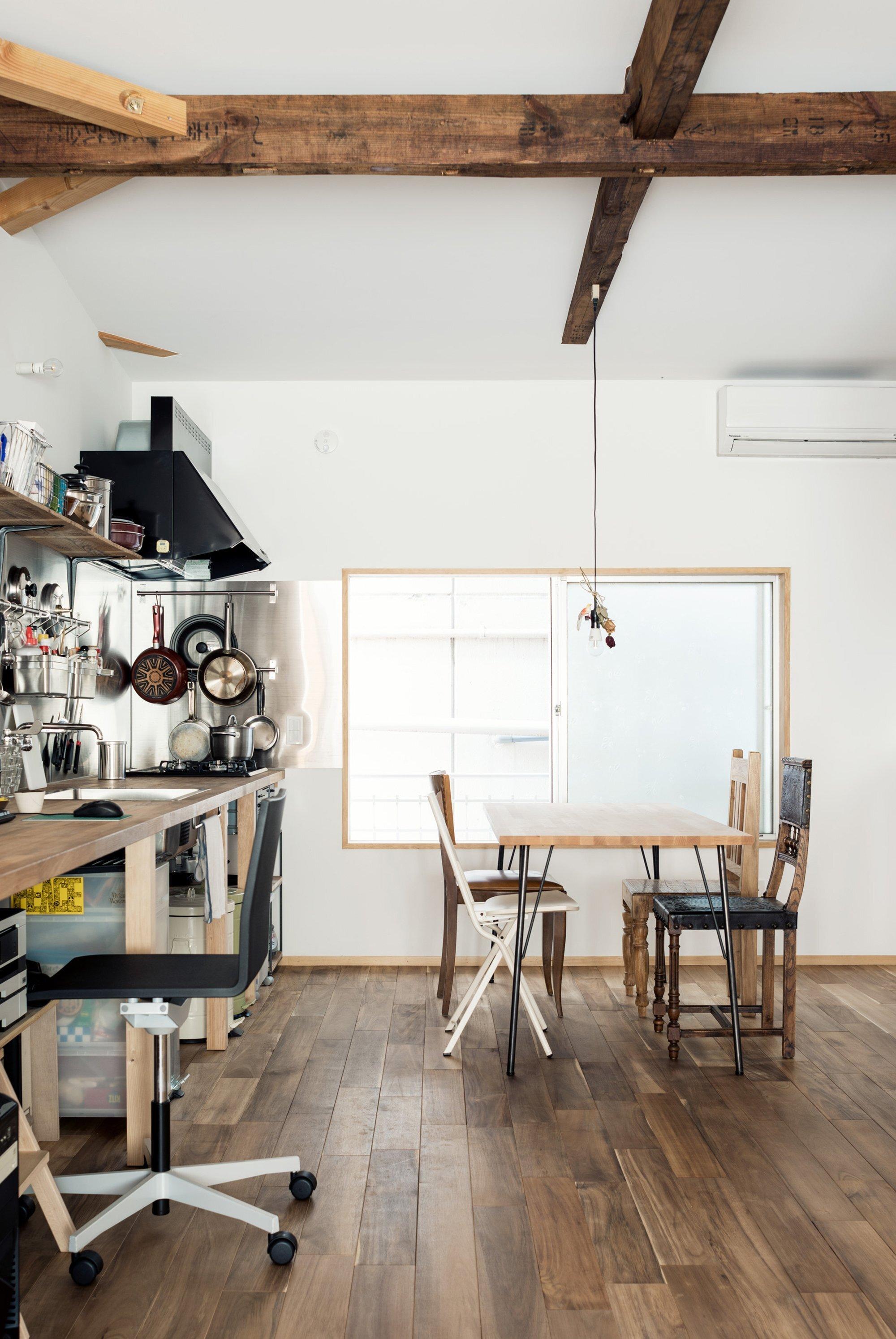 Re-Toyosaki - Small Japanese House - Coil Kazuteru Matumura Architects - Osaka Japan - Kitchen - Humble Homes