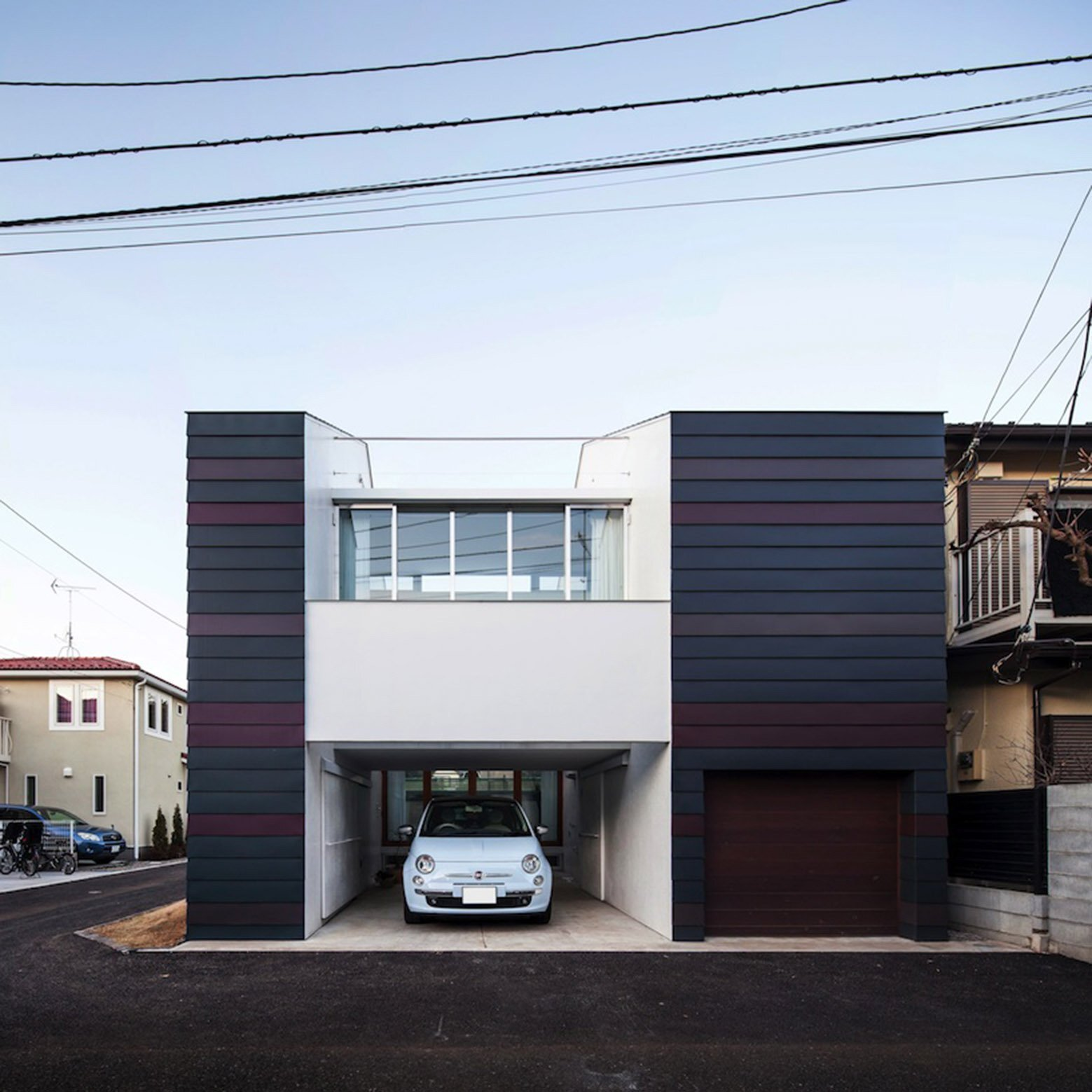 A split level small house in tokyo for a young couple for Split house