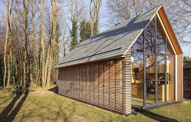 Awesome A Tiny Contemporary Retreat In Utrecht By Zecc Largest Home Design Picture Inspirations Pitcheantrous