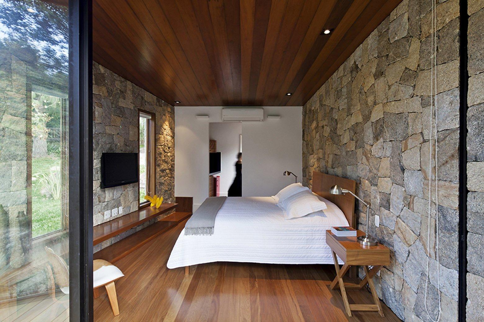 Writer's Retreat - Tiny Retreat - Architectare - Brazil - Bedroom - Humble Homes
