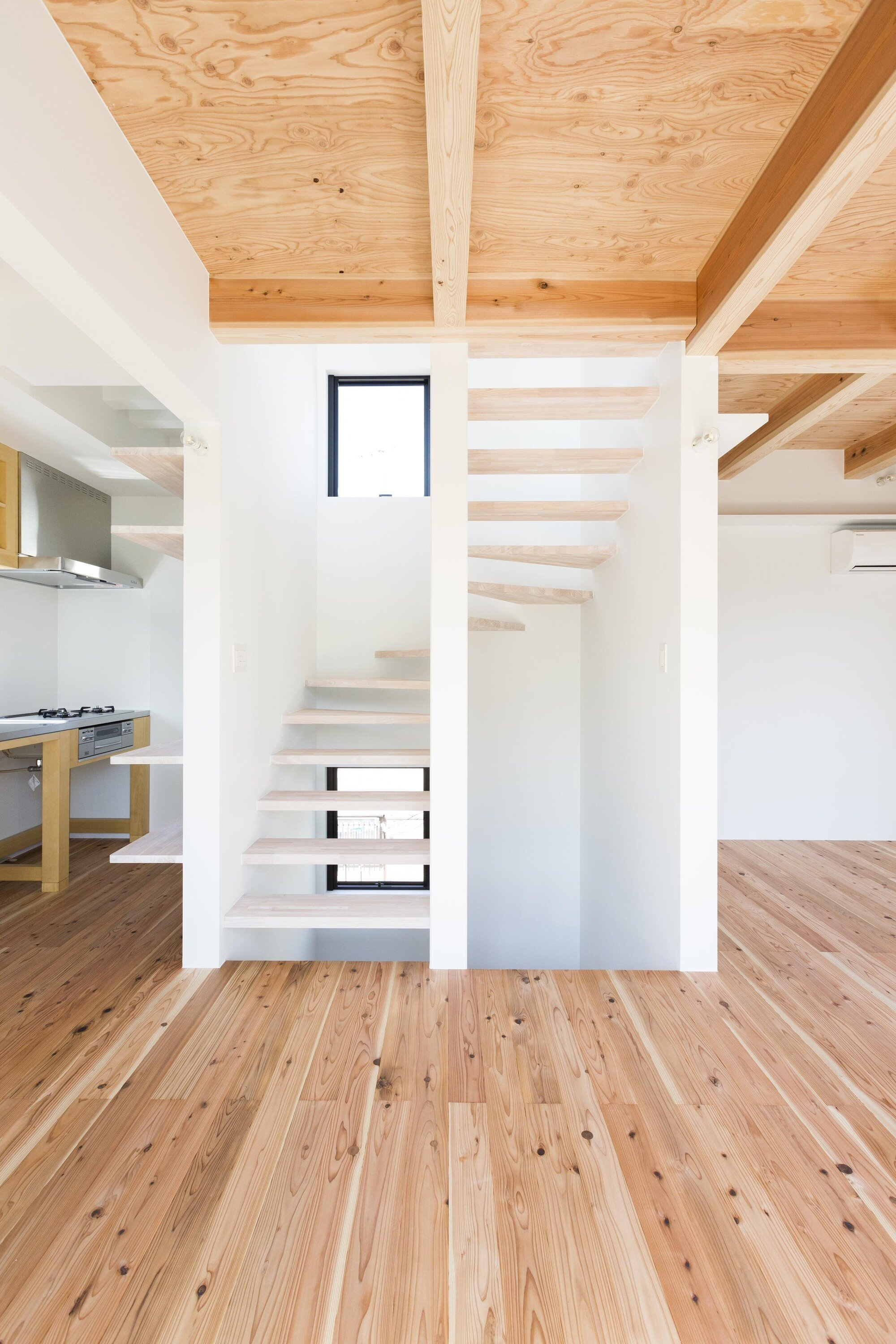 Hibarigaoka S house - Small Japanese House - Kaida Architecture Design Office - Japan - Staircase - Humble Homes
