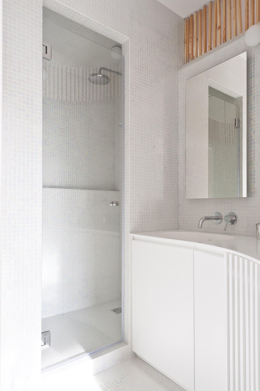 Home Renovation - Small Apartment - Julien Joly Architecture - Paris - Bathroom - Humble Homes