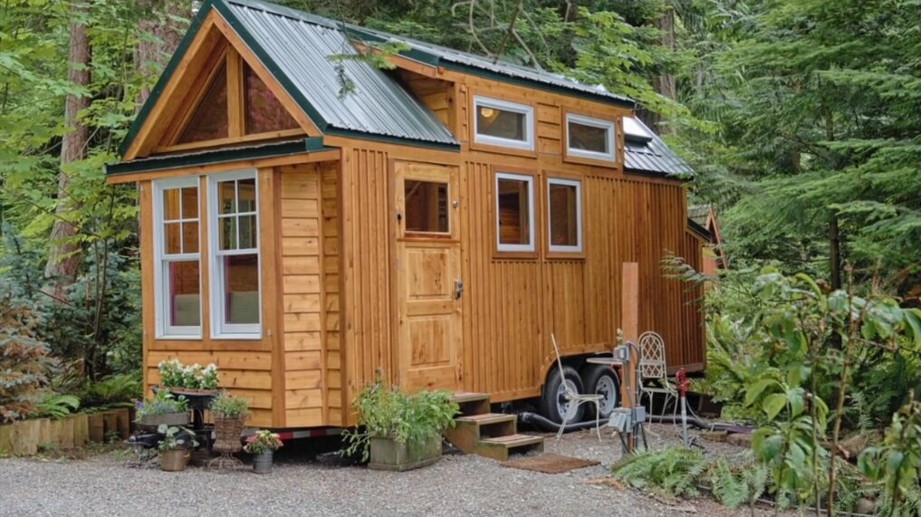 Wondrous A Tiny House With A Sauna Hope Island Cottages Largest Home Design Picture Inspirations Pitcheantrous