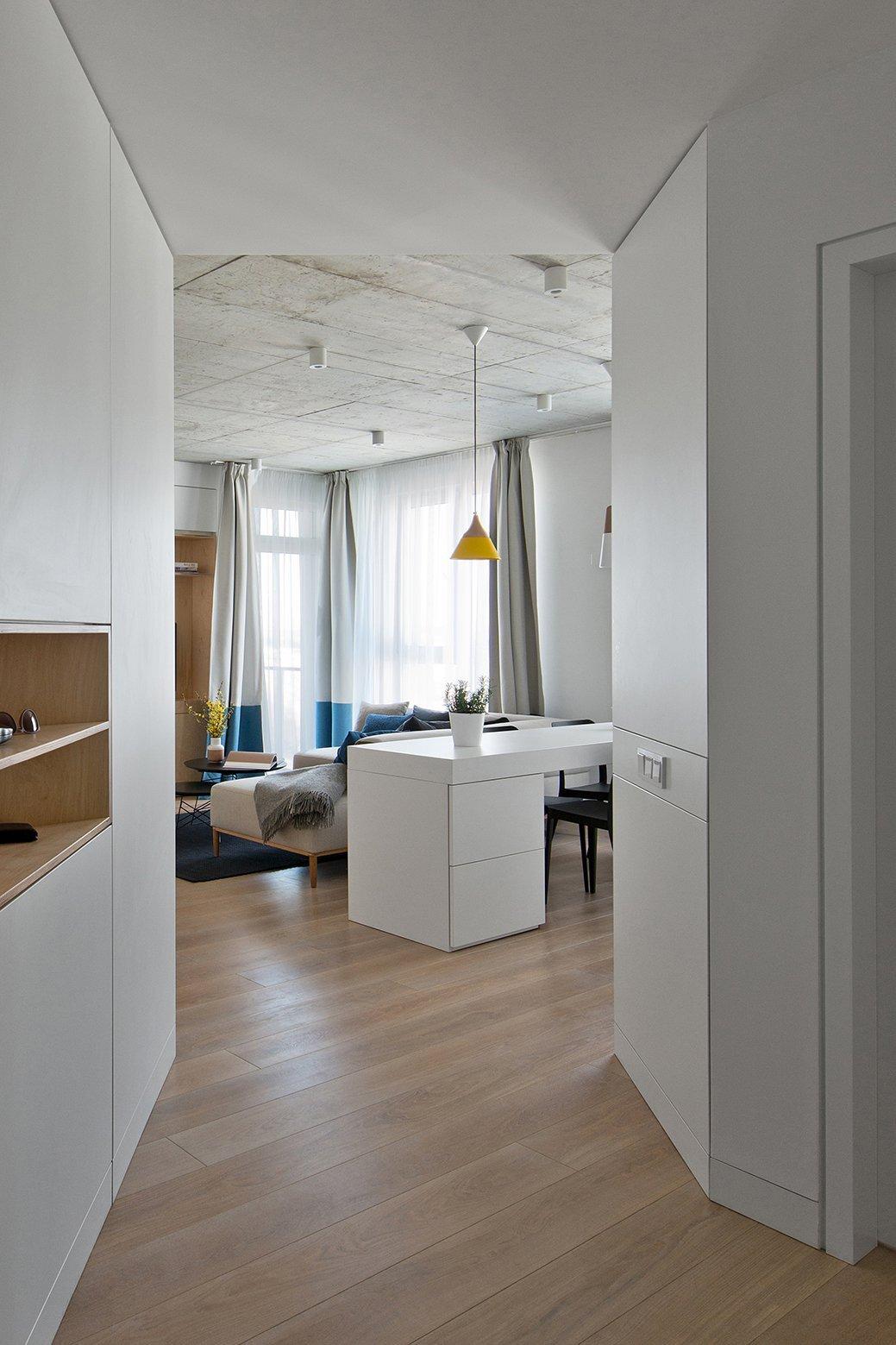 Apartment in Vilnius - Normundas Vilkas - Lithuania - Entry - Humble Homes