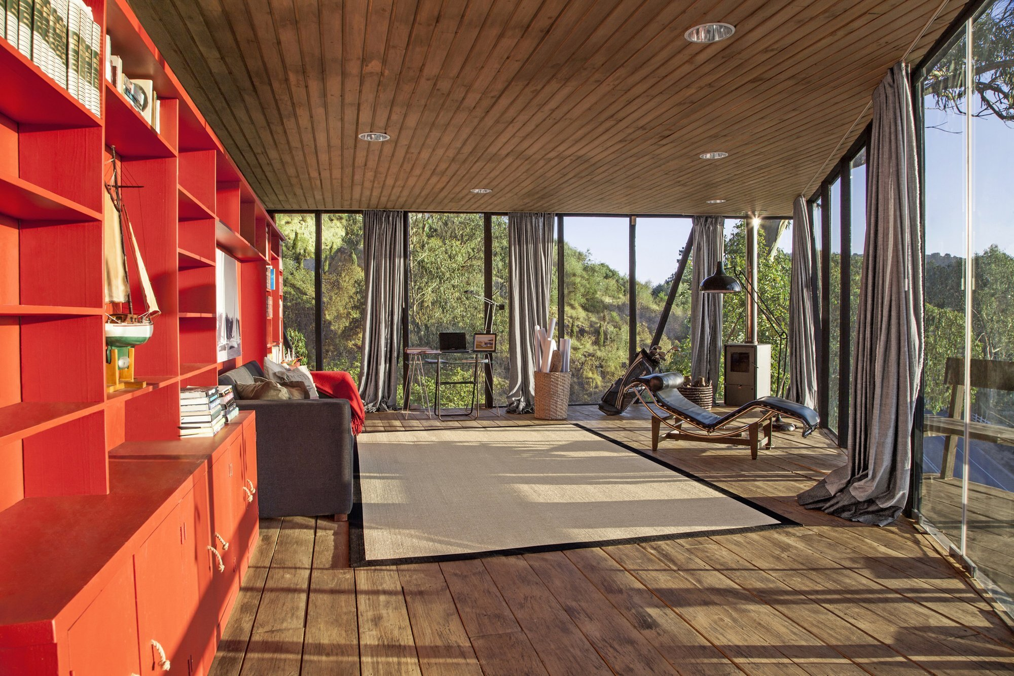 Pigeon Loft - Schmidt Arquitectos Asociados - Chile - Living Area - Humble Homes