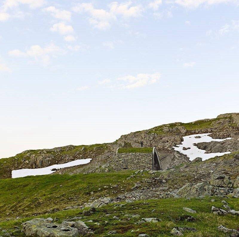 Tiny Lakeside Lodge - Snøhetta - Norway - Against Landscape - Humble Homes