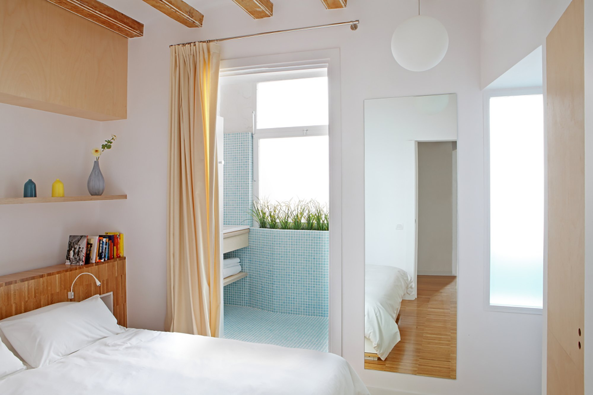 Apartment Pujades11 - Small Apartment - Miel Arquitectos + Studio P10 - Spain - Bedroom - Humble Homes