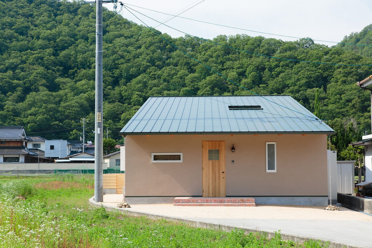 House in Yoshinaga - Tomoyuki Uchida - Japan - Exterior - Humble Homes