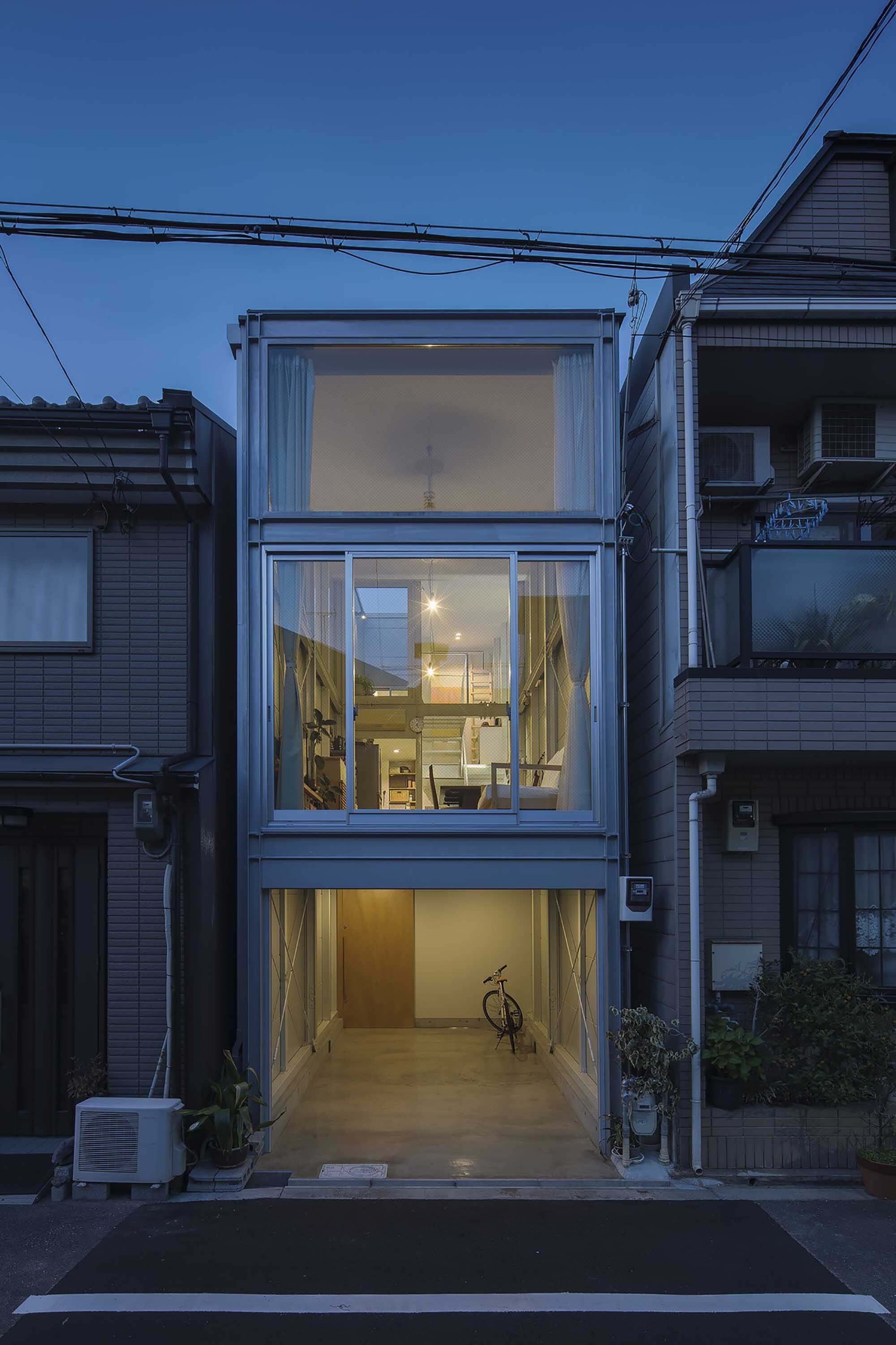 Kakko house a family home in osaka that 39 s just 11 feet wide for Bedroom 7 feet wide