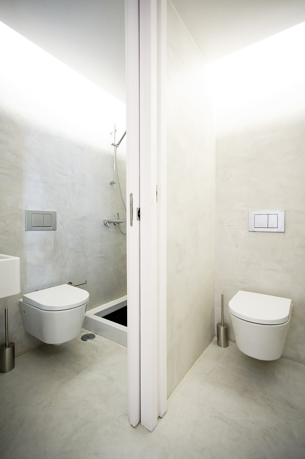 Xadrez Apartment - Small Apartment - UMA Collective - Portugal - Bathroom - Humble Homes