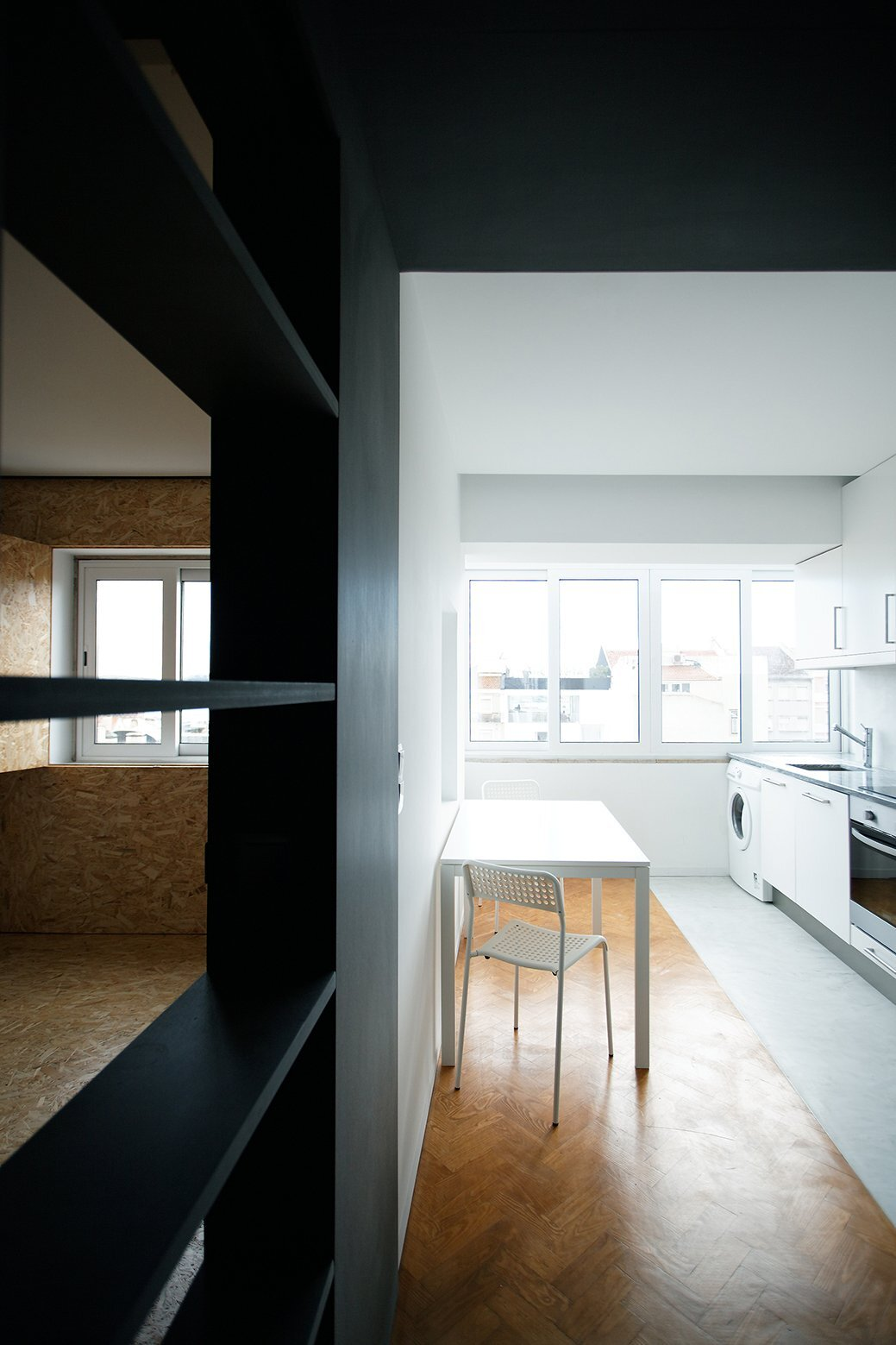 Xadrez Apartment - Small Apartment - UMA Collective - Portugal - Kitchen - Humble Homes